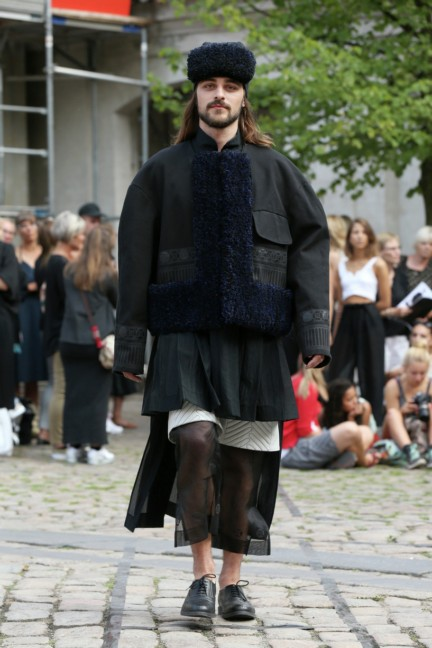 Royal-Danish-Academy-of-Fine-Arts-Copenhagen-Fashion-Week-Spring-Summer-2015-23