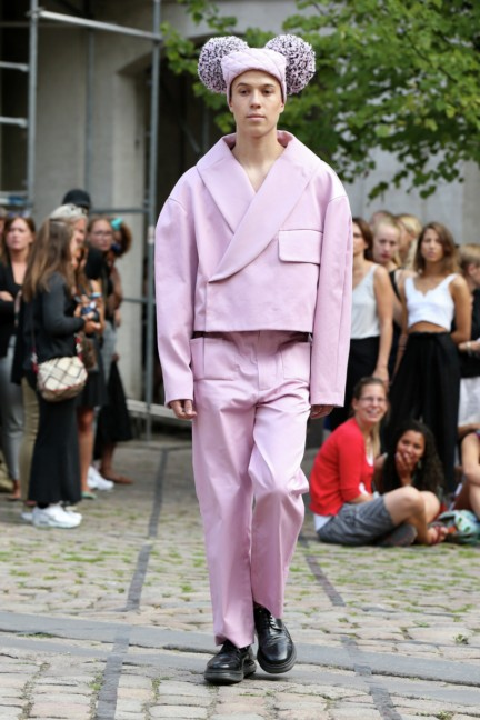 Royal-Danish-Academy-of-Fine-Arts-Copenhagen-Fashion-Week-Spring-Summer-2015-24