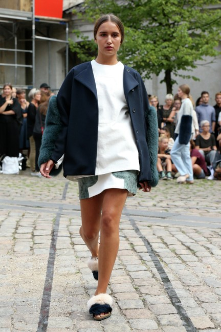 Royal-Danish-Academy-of-Fine-Arts-Copenhagen-Fashion-Week-Spring-Summer-2015-28
