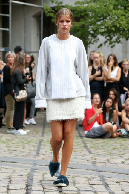 Royal-Danish-Academy-of-Fine-Arts-Copenhagen-Fashion-Week-Spring-Summer-2015-29