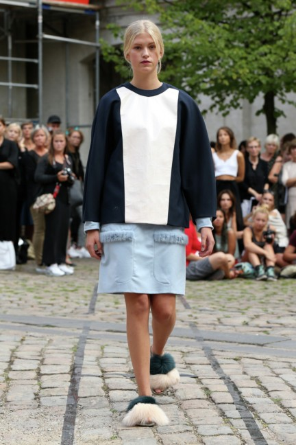 Royal-Danish-Academy-of-Fine-Arts-Copenhagen-Fashion-Week-Spring-Summer-2015-30
