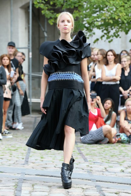 royal-danish-academy-of-fine-arts-copenhagen-fashion-week-spring-summer-2015-3