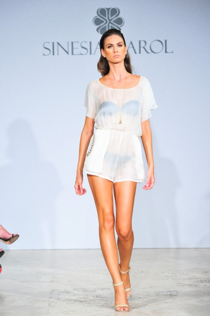 sinesia-karol-mercedes-benz-fashion-week-miami-swim-spring-summer-2015-runway-12