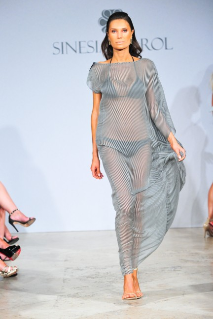 sinesia-karol-mercedes-benz-fashion-week-miami-swim-spring-summer-2015-runway-21