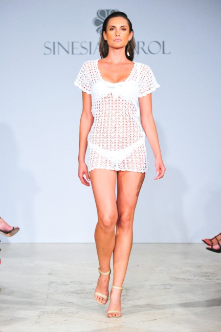 sinesia-karol-mercedes-benz-fashion-week-miami-swim-spring-summer-2015-runway-22