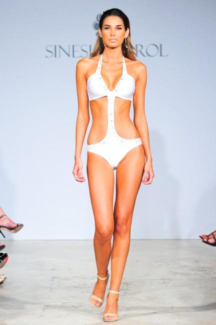 sinesia-karol-mercedes-benz-fashion-week-miami-swim-spring-summer-2015-runway-24