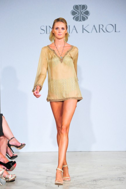 sinesia-karol-mercedes-benz-fashion-week-miami-swim-spring-summer-2015-runway-4
