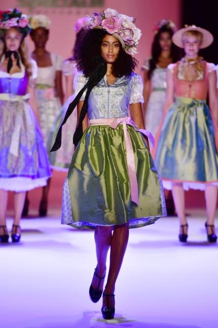 ss-2017_fashion-week-berlin_de_0002_sportalm_65605