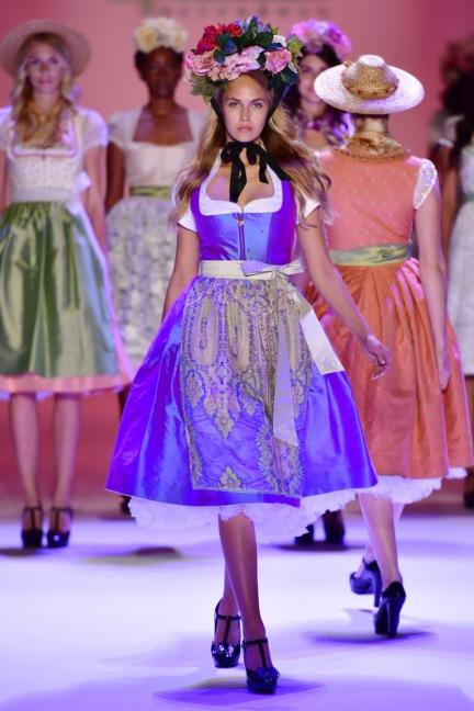 ss-2017_fashion-week-berlin_de_0003_sportalm_65604
