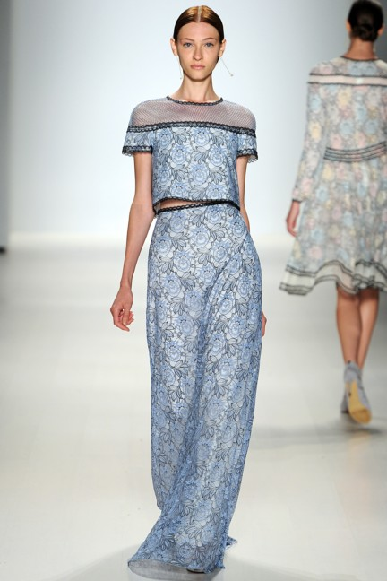 tadashi-shoji-new-york-fashion-week-spring-summer-2015-27