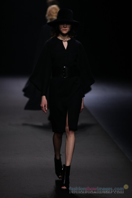 A-DEGREE-FAHRENHEIT-Tokyo-Fashion-Week-Autumn-Winter-2014-12