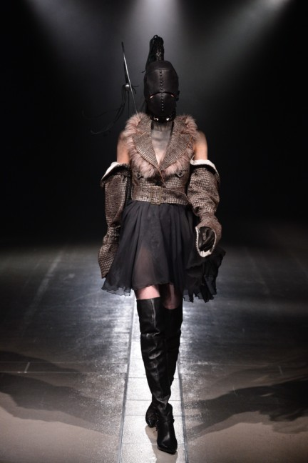 alice-auaa-tokyo-fashion-week-autumn-winter-2014-12