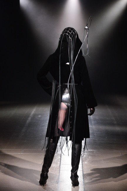 alice-auaa-tokyo-fashion-week-autumn-winter-2014-22
