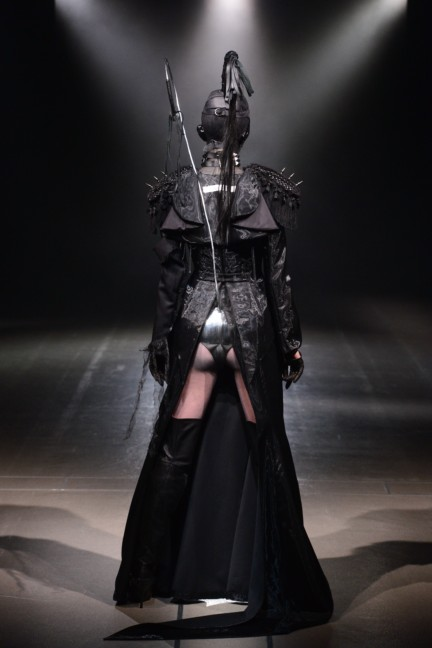 alice-auaa-tokyo-fashion-week-autumn-winter-2014-26
