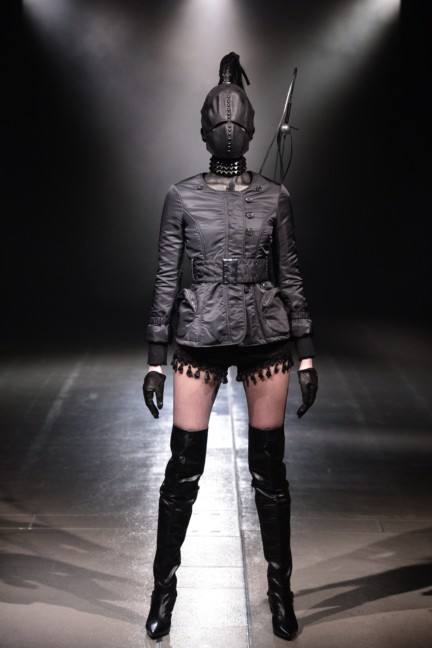 alice-auaa-tokyo-fashion-week-autumn-winter-2014-28