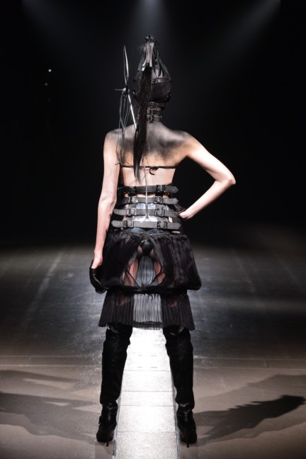 alice-auaa-tokyo-fashion-week-autumn-winter-2014-70