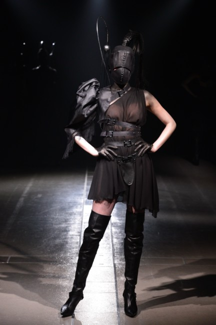 alice-auaa-tokyo-fashion-week-autumn-winter-2014-76