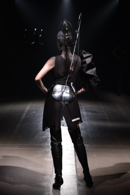 alice-auaa-tokyo-fashion-week-autumn-winter-2014-77