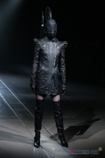 alice-auaa-Tokyo-Fashion-Week-Autumn-Winter-2014-31