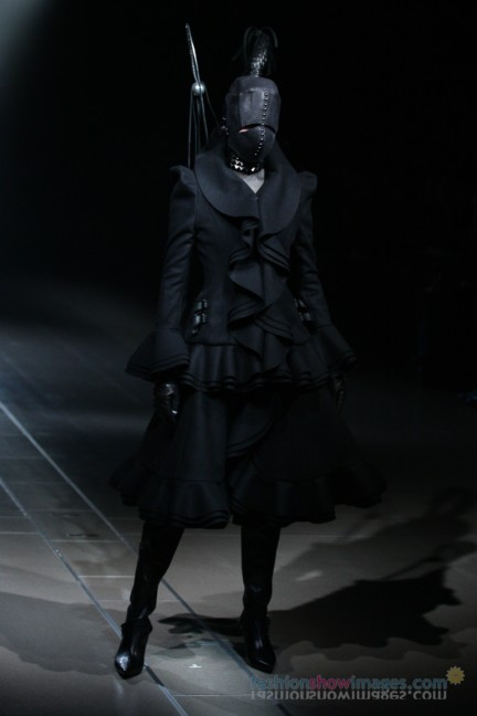 alice-auaa-Tokyo-Fashion-Week-Autumn-Winter-2014-8