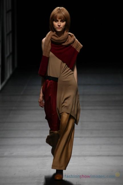 Yasutoshi-Ezumi-Tokyo-Fashion-Week-Autumn-Winter-2014-17