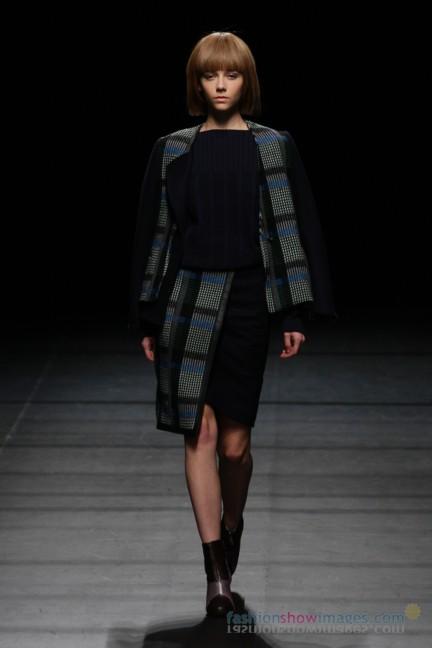 Yasutoshi-Ezumi-Tokyo-Fashion-Week-Autumn-Winter-2014-30