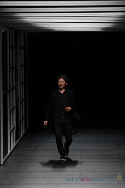 Yasutoshi-Ezumi-Tokyo-Fashion-Week-Autumn-Winter-2014-33