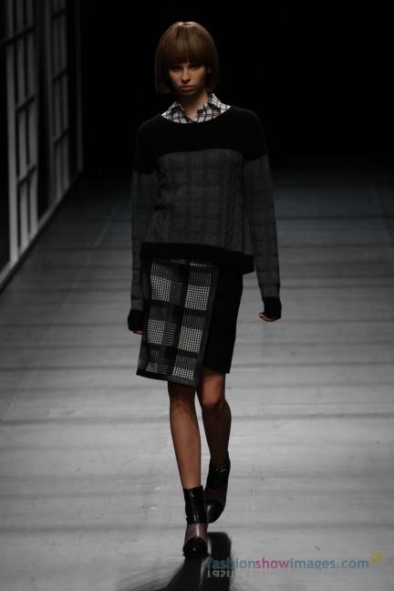 Yasutoshi-Ezumi-Tokyo-Fashion-Week-Autumn-Winter-2014-5