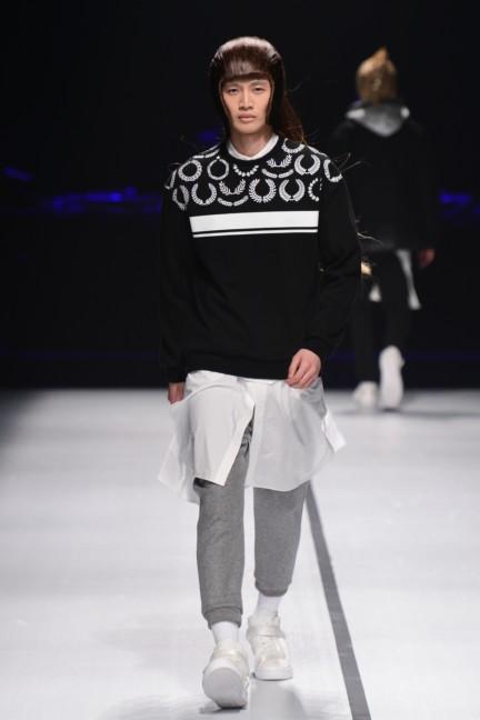 yoshio-kubo-tokyo-fashion-week-autumn-winter-2014-16