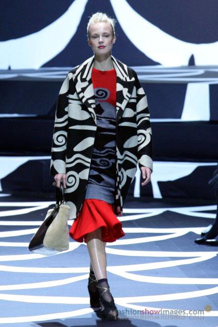 diane-von-furstenberg-tokyo-fashion-week-autumn-winter-2014-13