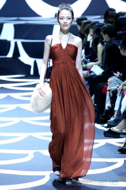 diane-von-furstenberg-tokyo-fashion-week-autumn-winter-2014-22