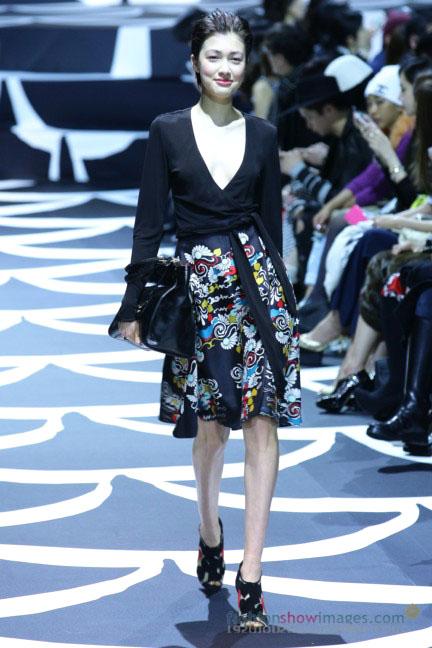 diane-von-furstenberg-tokyo-fashion-week-autumn-winter-2014-25