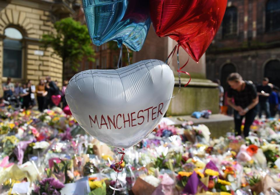 manchester-tributes-10