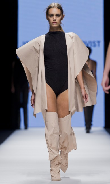 the-swedish-school-of-textiles-fashion-week-stockholm-spring-summer-2015-11