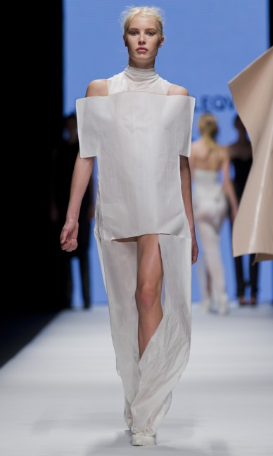 the-swedish-school-of-textiles-fashion-week-stockholm-spring-summer-2015-12