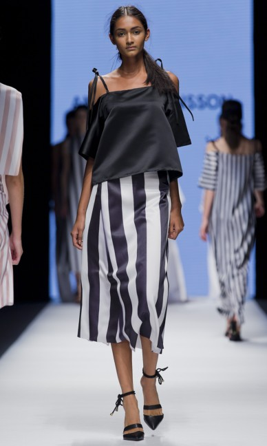 the-swedish-school-of-textiles-fashion-week-stockholm-spring-summer-2015-31
