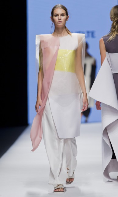 the-swedish-school-of-textiles-fashion-week-stockholm-spring-summer-2015-83