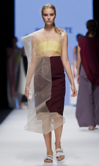 the-swedish-school-of-textiles-fashion-week-stockholm-spring-summer-2015-86