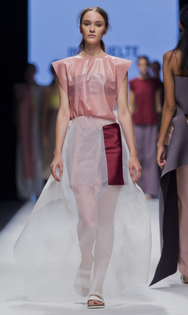 the-swedish-school-of-textiles-fashion-week-stockholm-spring-summer-2015-88