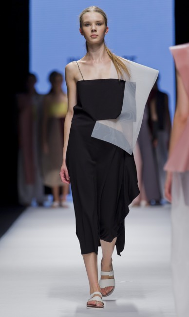 the-swedish-school-of-textiles-fashion-week-stockholm-spring-summer-2015-89