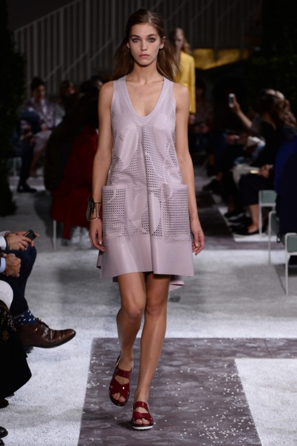 tods-milan-fashion-week-spring-summer-2015-runway-10