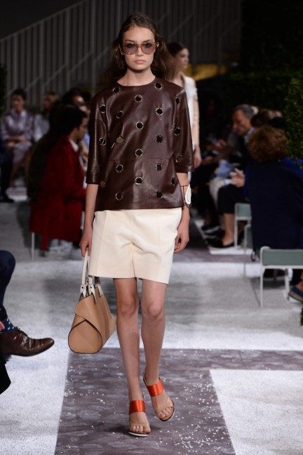 tods-milan-fashion-week-spring-summer-2015-runway-14