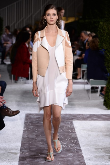 tods-milan-fashion-week-spring-summer-2015-runway-15