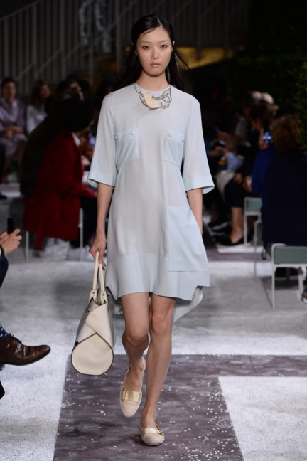 tods-milan-fashion-week-spring-summer-2015-runway-17