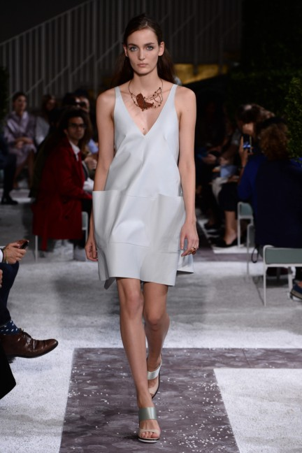 tods-milan-fashion-week-spring-summer-2015-runway-19