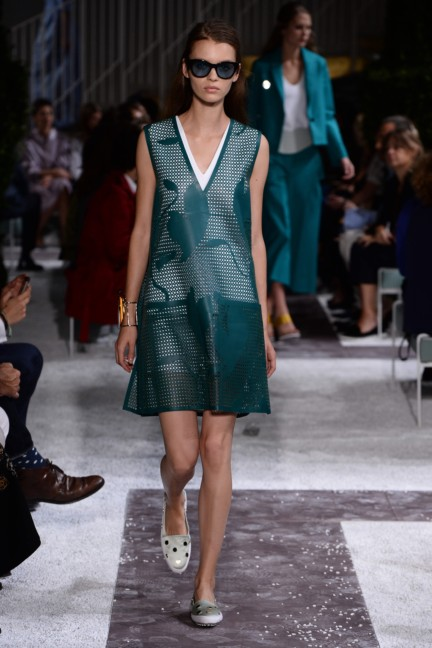 tods-milan-fashion-week-spring-summer-2015-runway-21