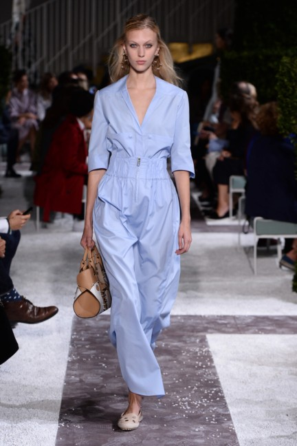tods-milan-fashion-week-spring-summer-2015-runway-23