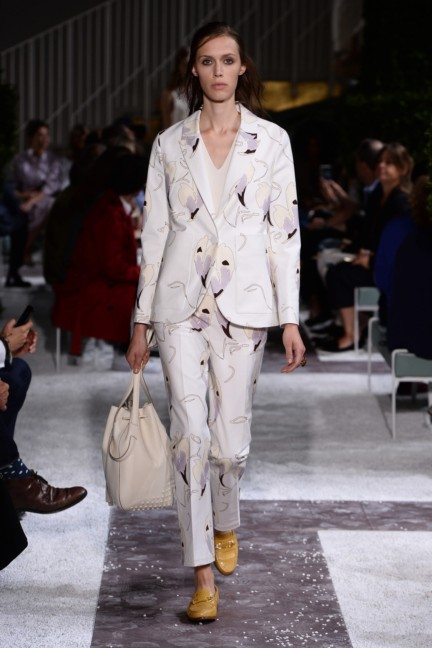 tods-milan-fashion-week-spring-summer-2015-runway-8