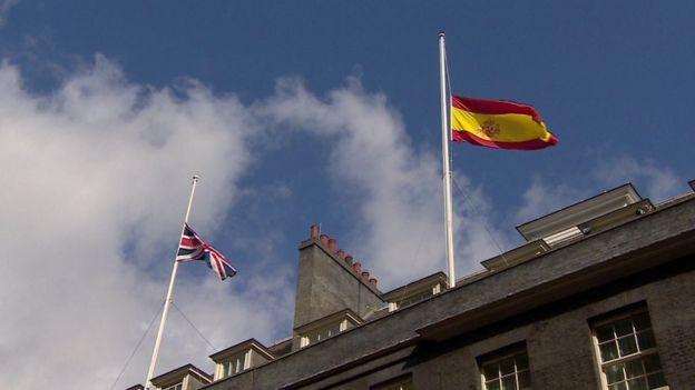 british-spanish-flag-fly-at-half-mast-at-downing-street