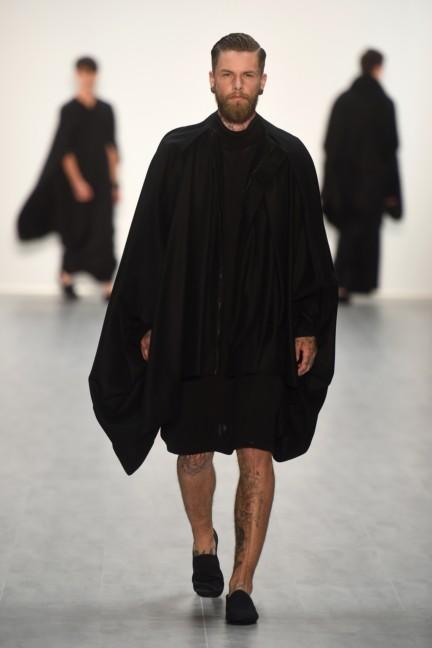 universitat-der-kunste-berlin-mercedes-benz-fashion-week-berlin-spring-summer-2015-35